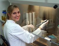 Sabrina Höfling hat an der Universität Bielefeld Biochemie studiert.