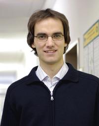 Preisträger Dr. Holger Kösters hat auf dem Gebiet der Wahrscheinlichkeitstheorie und Mathematischen Statistik herausragende Forschungsergebnisse erzielt. Foto: Universität Bielefeld