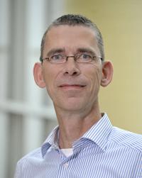 Prof. Dr. Oliver Razum ist Experte für Ungleichheit und Gesundheit. Foto: Universität Bielefeld/Sanchez