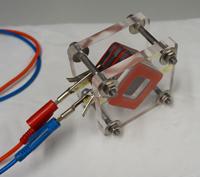 Mit der Konstruktion einer Biobatterie hatte das iGEM-Team der Universität Bielefeld im Wettbewerb Erfolg. Derartige Brennstoffzellen könnten in Zukunft beispielsweise genutzt werden, um Klärschlamm zur Energieerzeugung zu nutzen. Foto: iGEM-Team Bielefeld