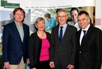 Gratulationen zur Wahl: Prof. Dr. Fred G. Becker, Dr. Annette Fugmann-Heesing, Dr. Stephan Becker und Prof. Dr.-Ing. Gerhard Sagerer (v.l.).
