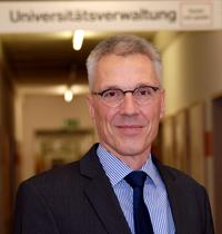 Dr. Stephan Becker wurde vom Senat als zukünftiger Kanzler der Universität Bielefeld einstimmig bestätigt.