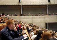 Vorlesung im Audimax der Universität Bielefeld