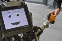 Er kann Gegenstände anreichen, Hilfe holen und aufräumen: Haushaltsroboter Tobi stellt sich mit diesen Fähigkeiten dem Wettbewerb. Foto: CITEC/Universität Bielefeld