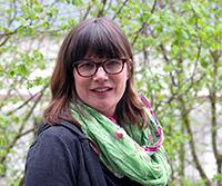 Die Verhaltensbiologin Dr. Barbara Caspers erforscht, wie Verwandtengeruch entsteht.