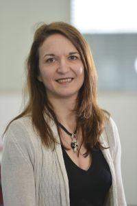 Juniorprofessorin Dr. Elisabetta Chicca arbeitet an der Entwicklung von künstlichen Nervensystemen. Foto: CITEC/Universität Bielefeld