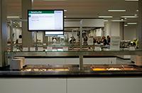 In der neuen Mensa warten auf die Gäste neun unterschiedliche Formen der Ausgabetheke. Foto: Universität Bielefeld