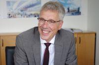 Dr. Stephan Becker bezieht heute (04.08.2014) sein neues Büro an der Universität Bielefeld. Foto: Universität Bielefeld