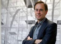 """Prof. Dr. Andreas Zick ist Leiter des neuen Forschungsprojektes """"Bielefelder Fußballfan-Studie"""" (BiFans). Foto: Universität Bielefeld"""