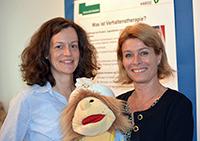 Leitungsteam der Psychotherapeutische Hochschulambulanz für Kinder und Jugendliche: Dr. Nadine Reinhold und Professorin Dr. Angelika Schlarb (v.l.). Foto: Universität Bielefeld