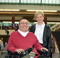 Dr. Faraj Remmo und Aleksandra Magdalena Rybak arbeiten in der Universität Bielefeld
