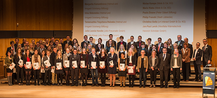 Die neuen Stipendiatinnen und Stipendiaten: In der Regel werden sie ein Jahr lang gefördert. Foto: Martin Brockhoff