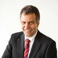 Für weitere vier Jahre im Amt bestätigt: Rektor Prof. Dr.-Ing. Gerhard Sagerer Foto: Martin Brockhoff