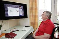 Für das Projekt KOMPASS wurde der Avatar Billie weiter entwickelt: Mit ihm können Nutzer im Wohnzimmer ihren persönlichen Wochenplan in einen digitalen Kalender eintragen. Foto: Bethel