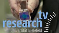 """Kohlenstoff-Nanomembranen sind das Thema des neuen """"research_tv""""-Beitrags. Die Membranen sind sieben Nanometer dünn. Sie könnten in Zukunft sowohl als Filter als auch als Schutzschicht dienen. Foto: Universität Bielefeld"""