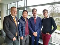 Im Februar stand die Begutachtung des Graduiertenkollegs an. Sie stellten dabei die Arbeit des Kollegs vor (v.li.): Prof. Dr. Martin Egelhaaf (Prorektor für Forschung der Universität Bielefeld), Prof. Dr. Panki Kim  und Prof. Dr. Moritz Kaßmann (beide Sprecher des IRTG 2235) und Dr. Claudia Köhler, wissenschaftliche Koordinatorin des Kollegs. Foto: Universität Bielefeld