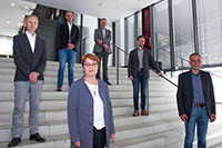 They have promoted the foundation of the new institute (front row from left to right): Prof. Dr Eyke Hüllermeier (Paderborn University), Prof. Dr Birgitt Riegraf (President of Paderborn University), Prof. Dr.-Ing. Gerhard Sagerer (Rector of Bielefeld University) and (back row from left to right), Prof. Dr Johannes Blömer (Vice President for Research at Paderborn University), Prof. Dr Martin Egelhaaf (Vice Rector for Research at Bielefeld University) and Prof. Dr Philipp Cimiano (Bielefeld University). Photo: Paderborn University