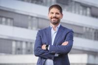 Prof. Dr. med. Sebastian Kuhn ist ebenfalls an die Medizinische Fakultät OWL berufen worden. Er richtet dort die Arbeitsgruppe Digitale Medizin ein. Foto: Universität Bielefeld/S. Jonek