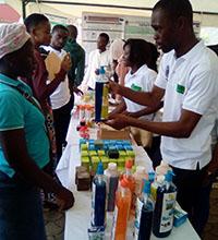 Erste Arzneien, die in dem Graduiertenkolleg entwickelt wurden, werden bereits zum Kauf angeboten. Foto: Universität Yaoundé I